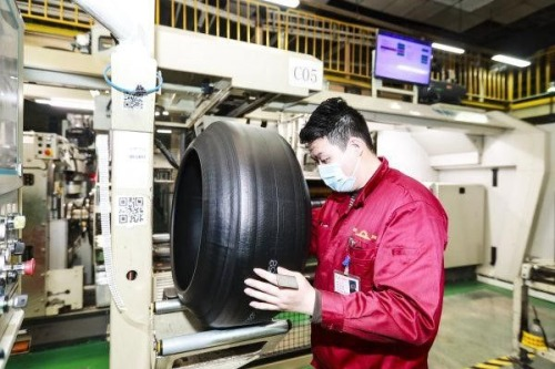 1ZC-Rubber-tire-production-__-1175x784-s.jpg