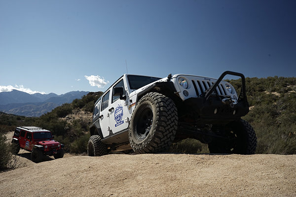 Jeep-with-Falken-tires-offroading.jpg