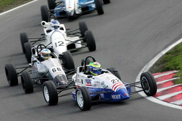 Avon Tyres supports Formula Ford 1600 Championships