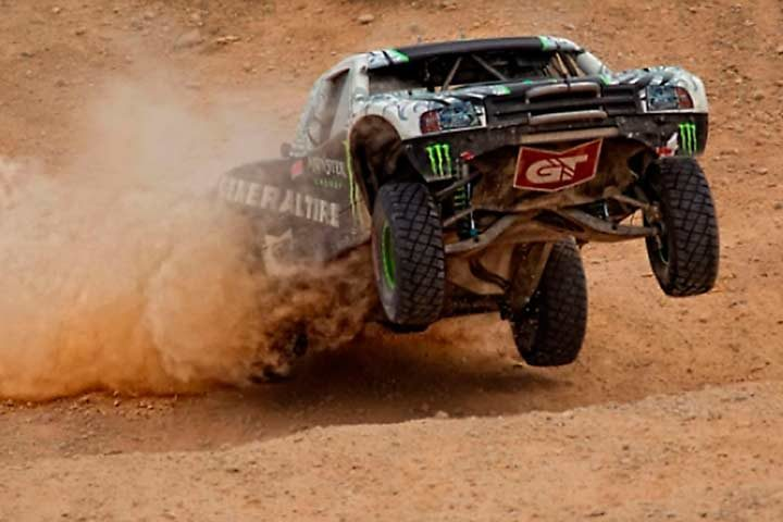 Baldwin wins General Tire SNORE Mint 400