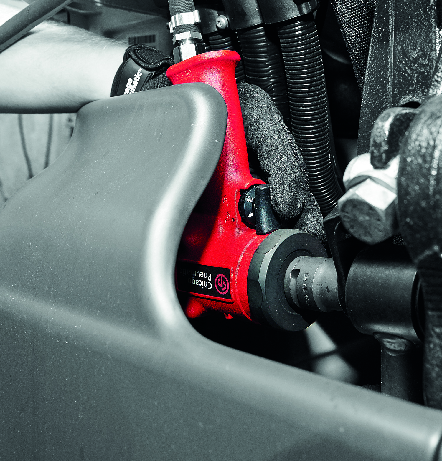 Chicago Pneumatic impact wrench has power
