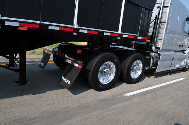 Choosing Tires for 6x2s: Fleets May be Forfeiting Tire Life for Improved Fuel Mileage