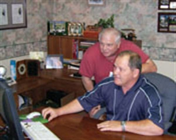 Click and send: Burggraf Tire reaches far-flung customers by video e-mail