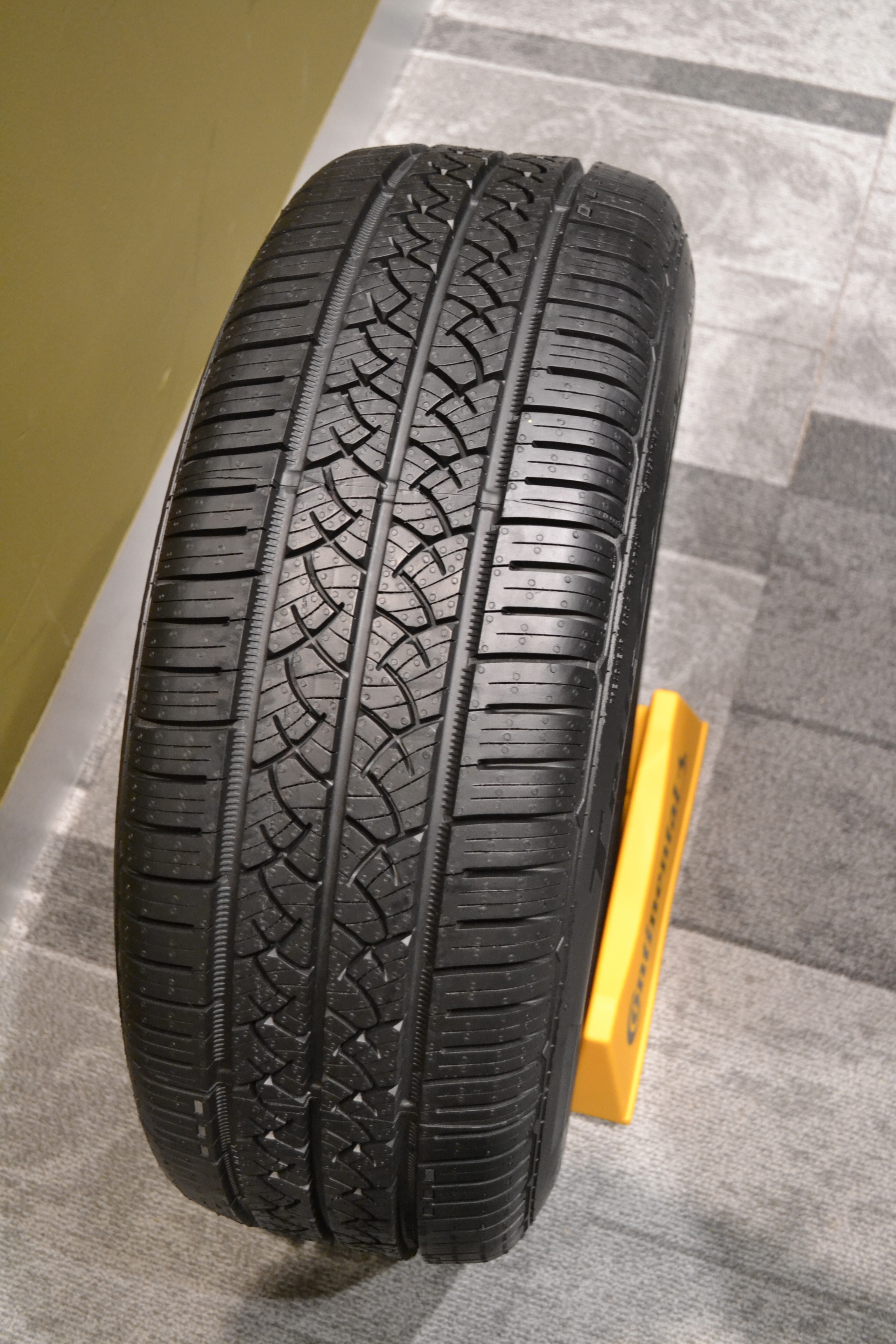 Conti Tells Its Gold Dealers About 2 Next Generation Tires