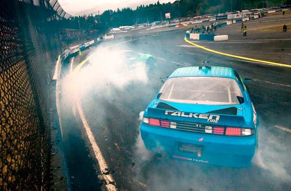 Darren McNamara takes first in Formula Drift at Evergreen Speedway