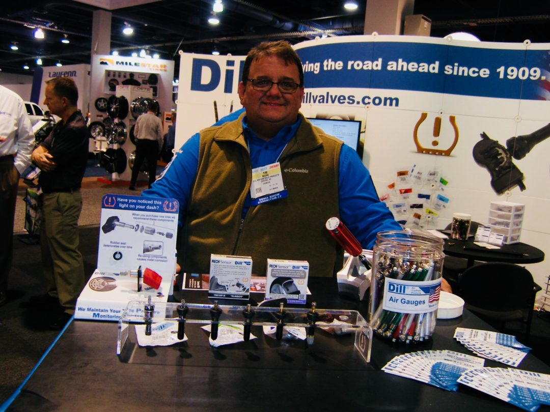 Dill Air Controls Products Has New Air Pressure Gauge at the SEMA Show