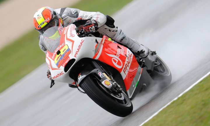 Dovizioso reigns on wet and wild first day at Misano