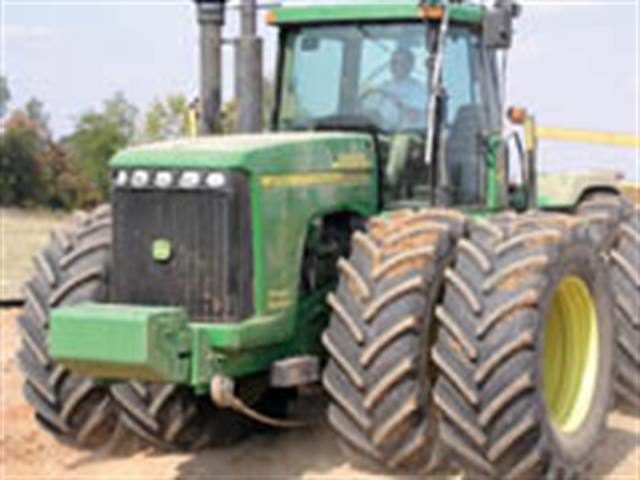 Farm tire drought: Spike in equipment sales leads to run on big tractor, combine tires