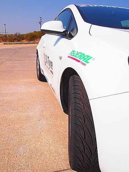 Federal tires 'party' with South African distributor