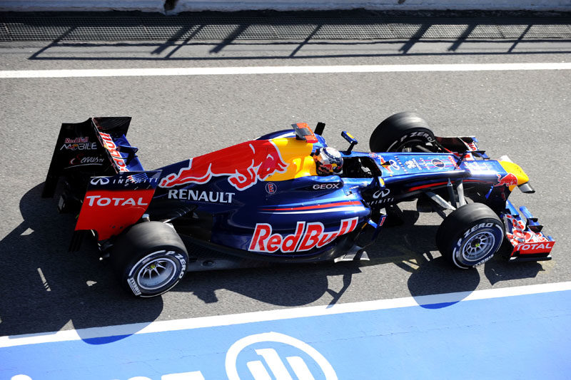Formula One teams test tire strategies in Barcelona