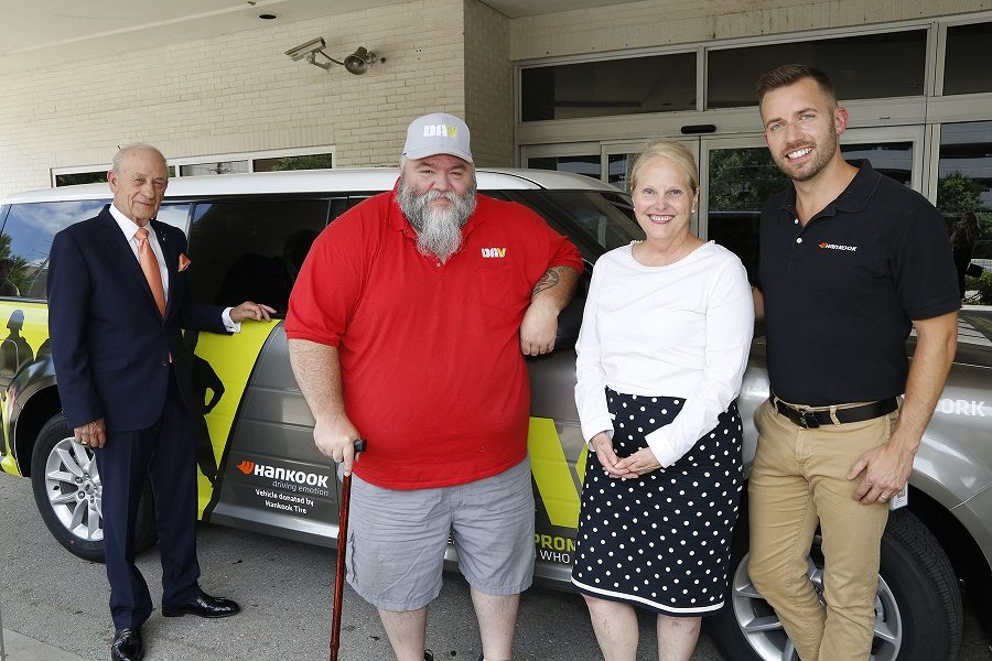 Hankook Donates Vehicle to Help Disabled American Veterans