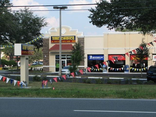 Hennelly opens 33rd store, plans more in 2012