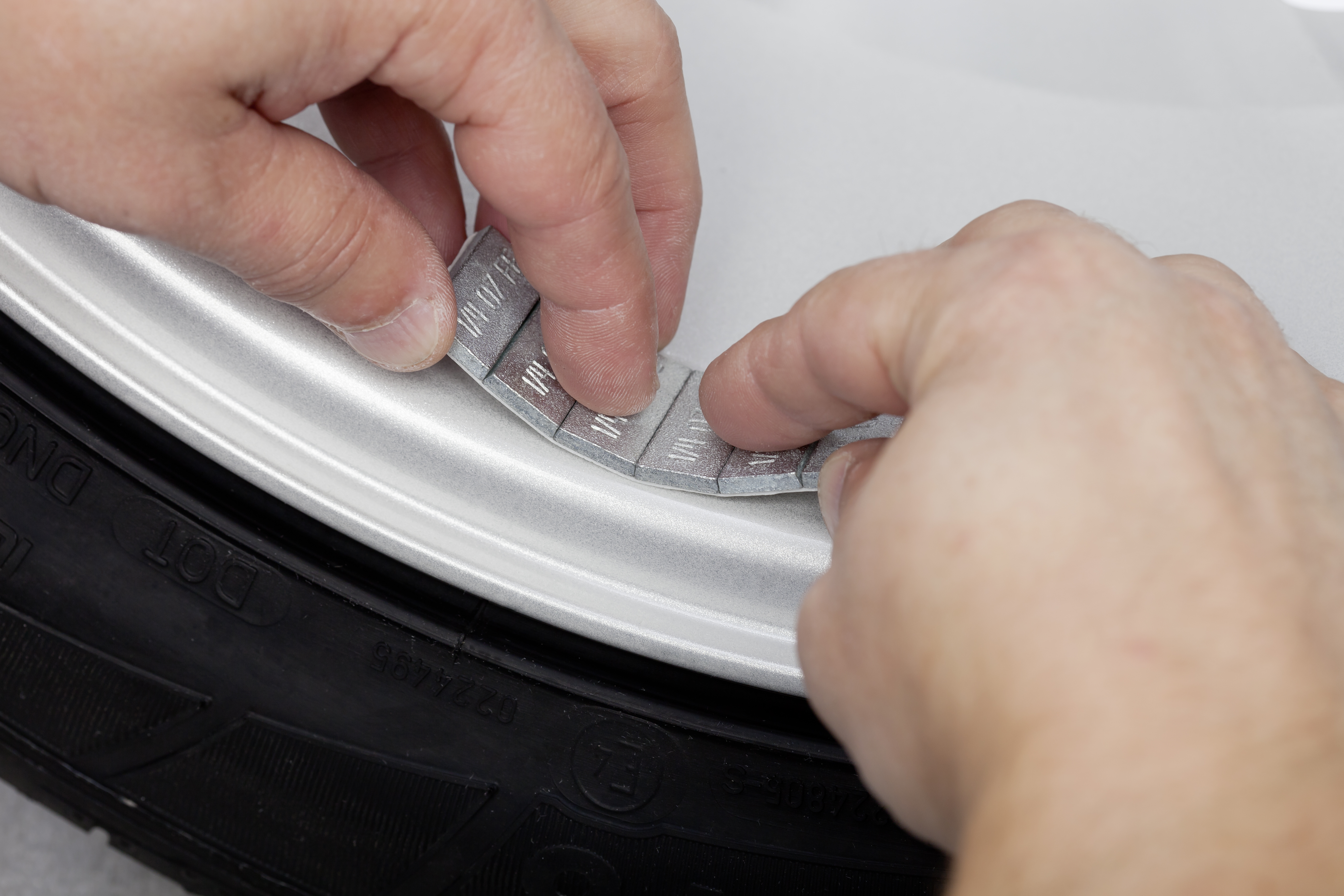 How Adhesive Weights Are Changing Tire Balancing