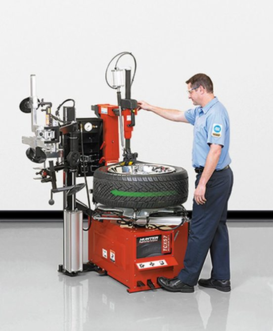 Hunter unveils latest tabletop tire changers