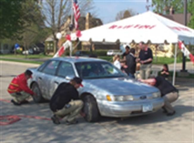 Iowa dealer takes Tire Safety Week to heart: More than 120 cars get check-ups at tire fair