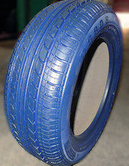 Living color: BOREALIS WAY color tires launched
