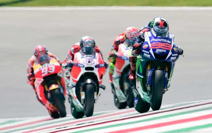 Lorenzo claims third MotoGP victory in a row after Mugello masterclass