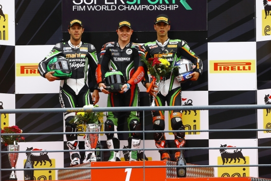 Lowes and Yamaha make it four wins in a row
