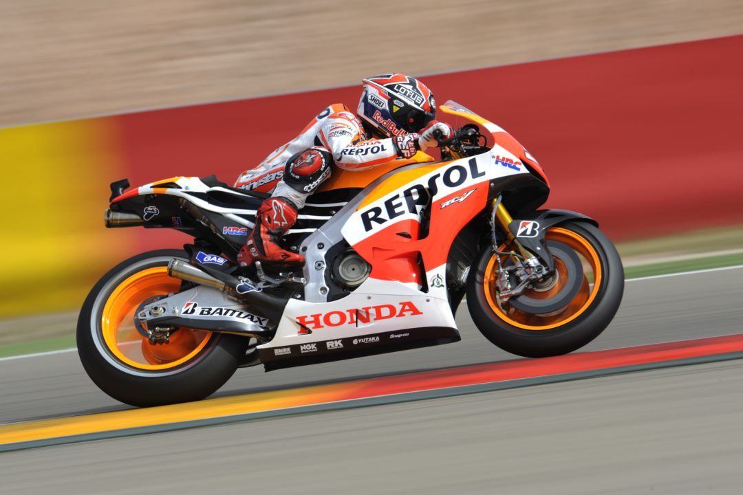 Marquez takes control in opening day at Motorland