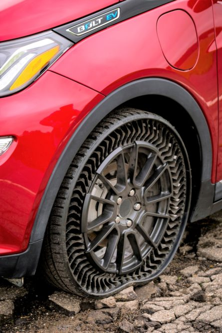 Michelin Helps Move an Airless OE Car Tire Closer to Reality