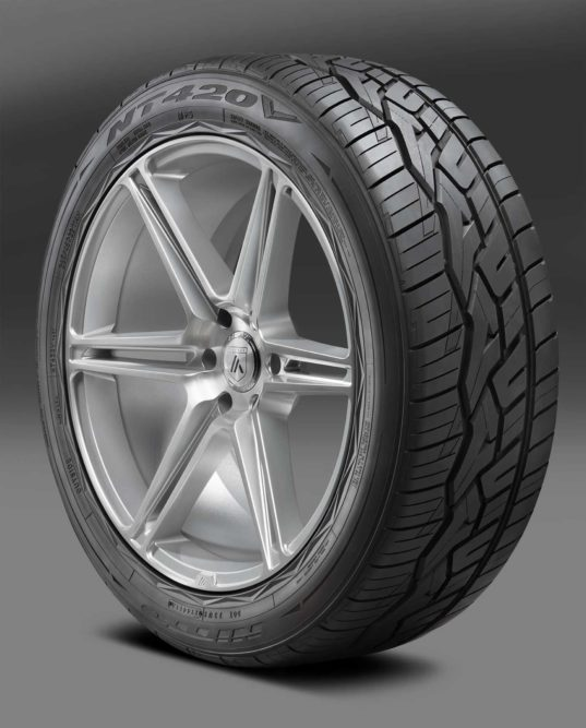 Nitto Releases NT420V Luxury Truck and SUV Tire