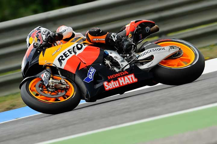 Pedrosa claims first win of season with faultless run in Portugal