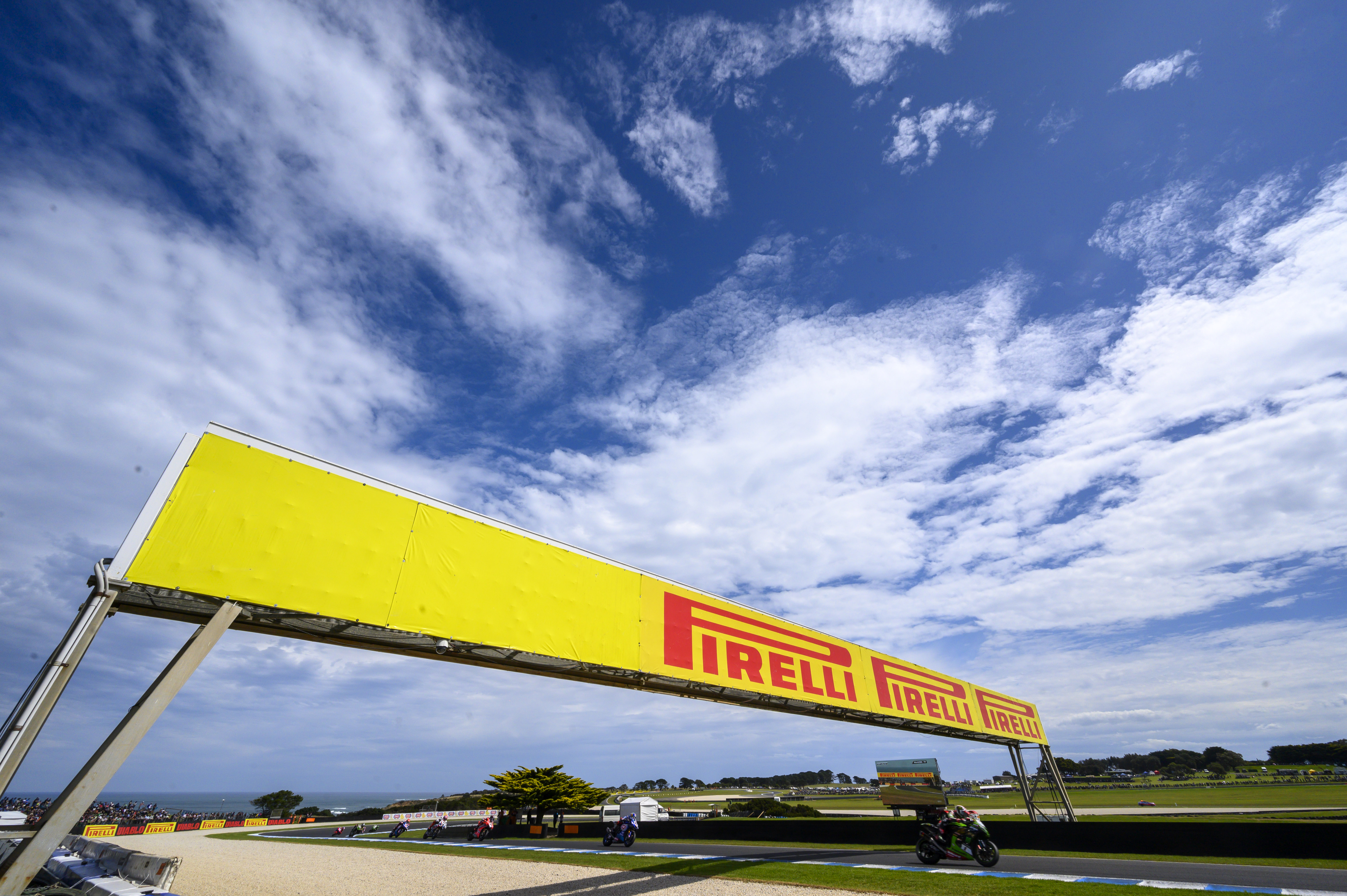 Pirelli Forecasts 18% Drop in Global Replacement Tire Market