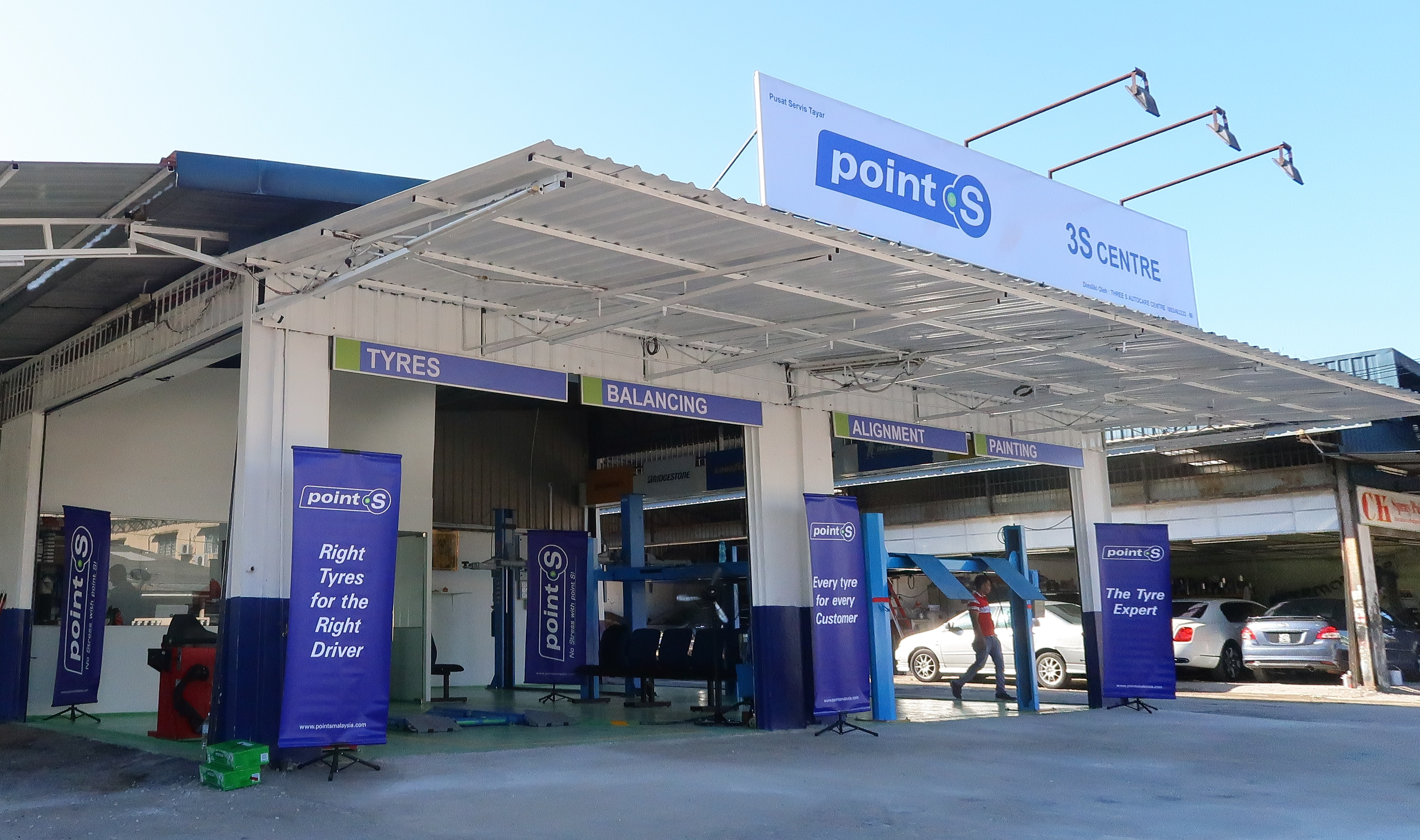 Point S Carries Retail Banner Into Asia