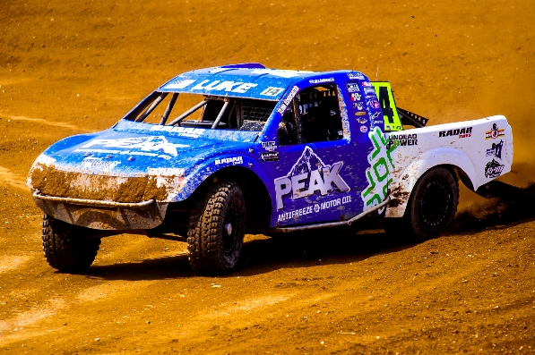 Radar Tires gets two top-10 finishes at Crandon