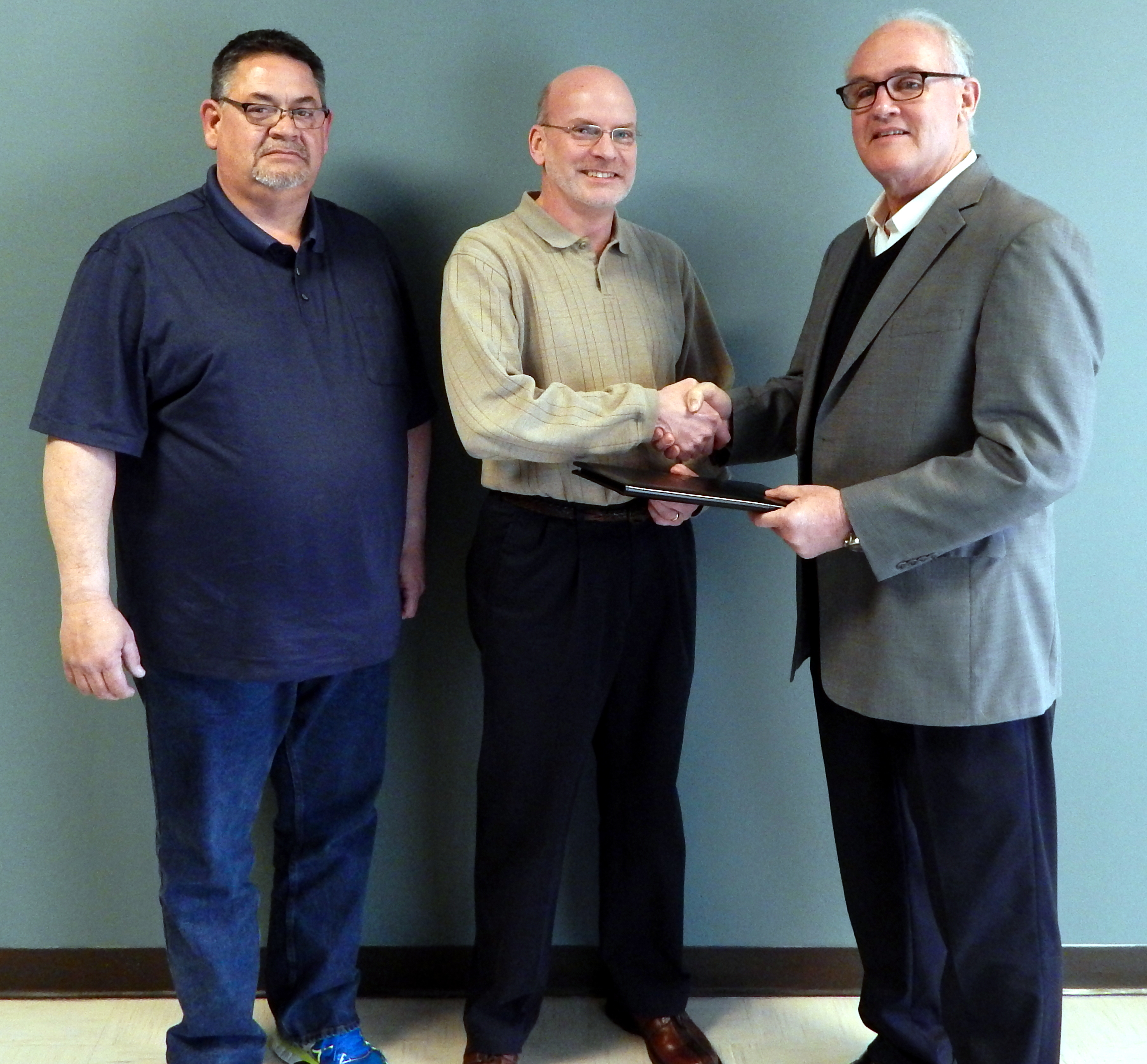 Ray's Tire honored for 10-year MTNA anniversary
