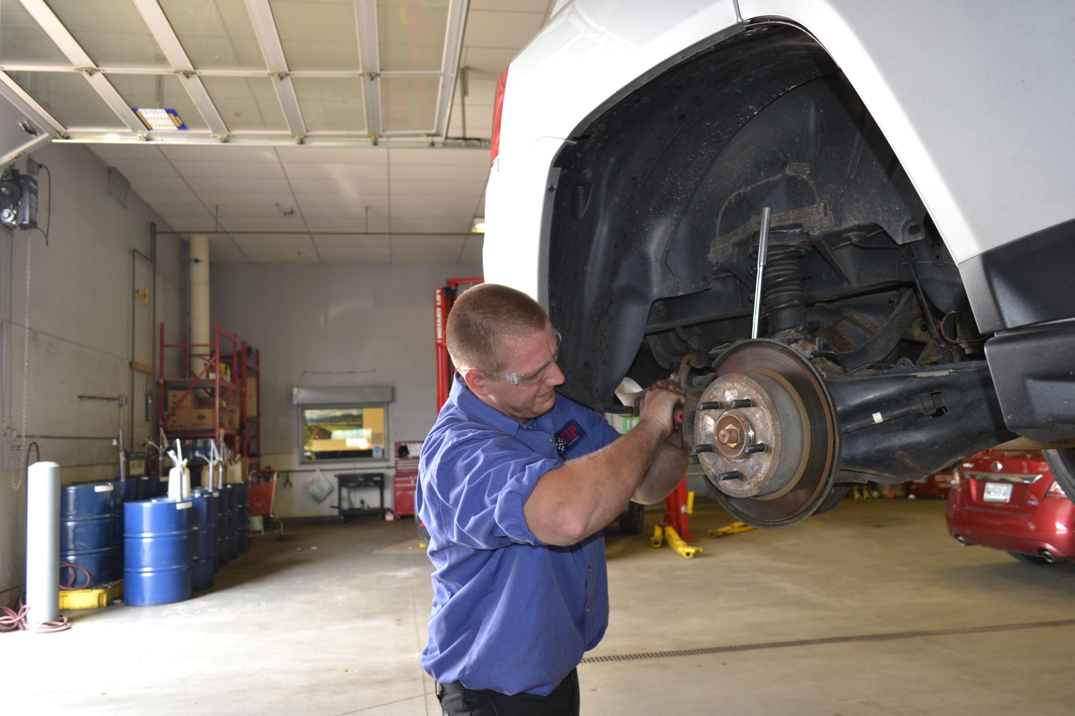 Service Brakes, Ride Control and Tires Together to Reduce Comebacks