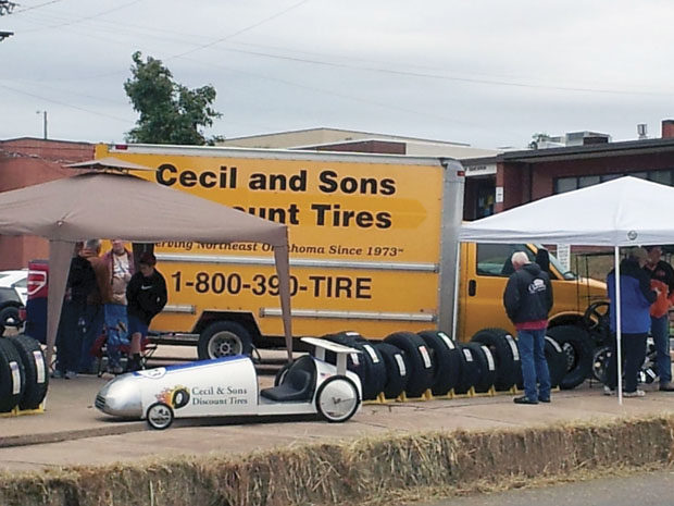 Social media: Tire dealers doubt it's a cure-all