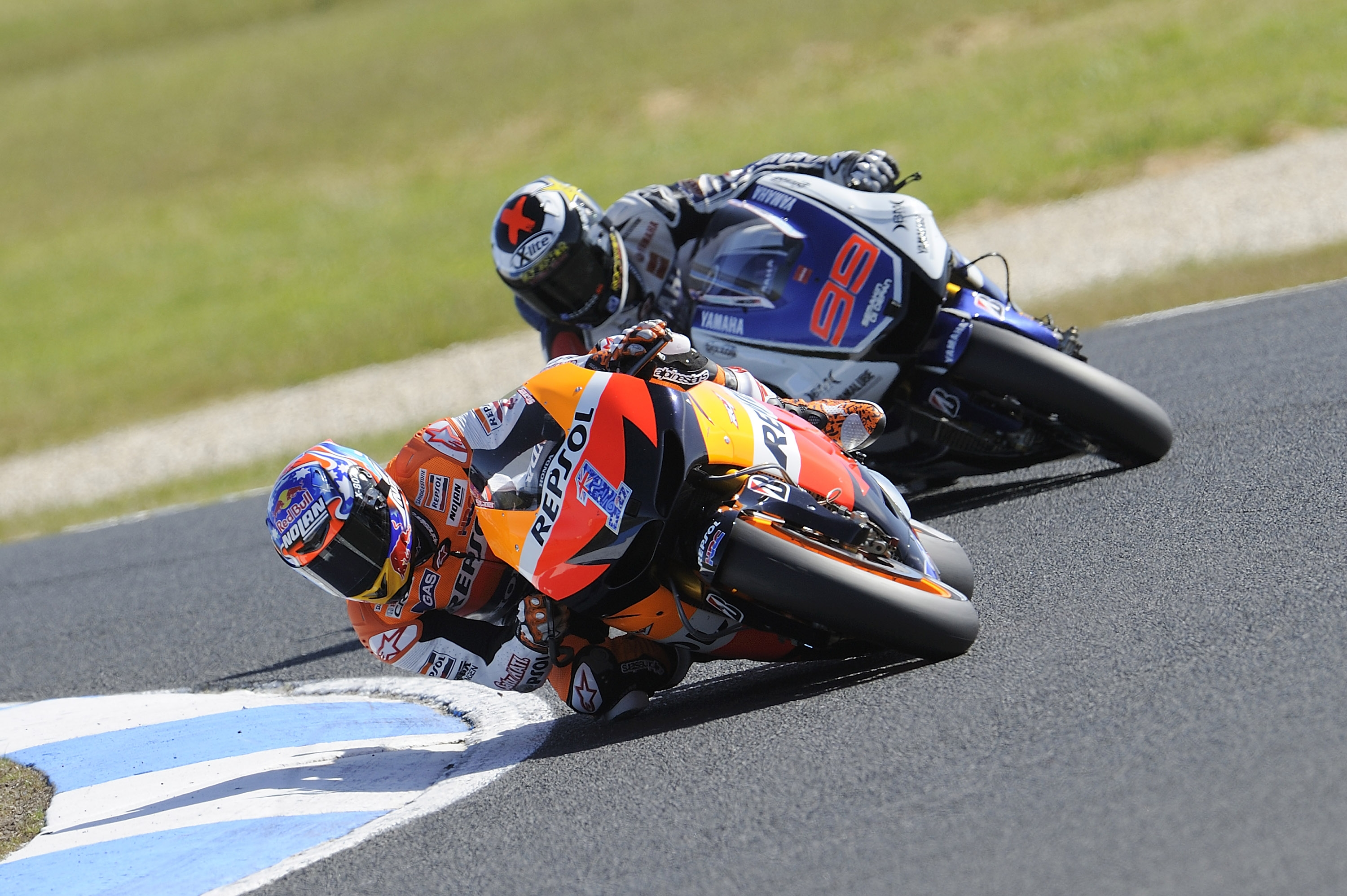 Stoner makes it six in a row at Phillip Island
