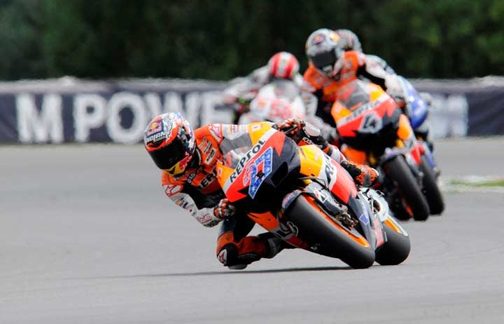 Stoner victorious in Brno in Honda one-two-three