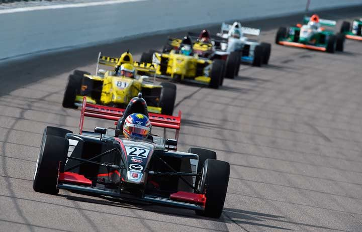 Weiron Tan moves into title contention with Iowa victory